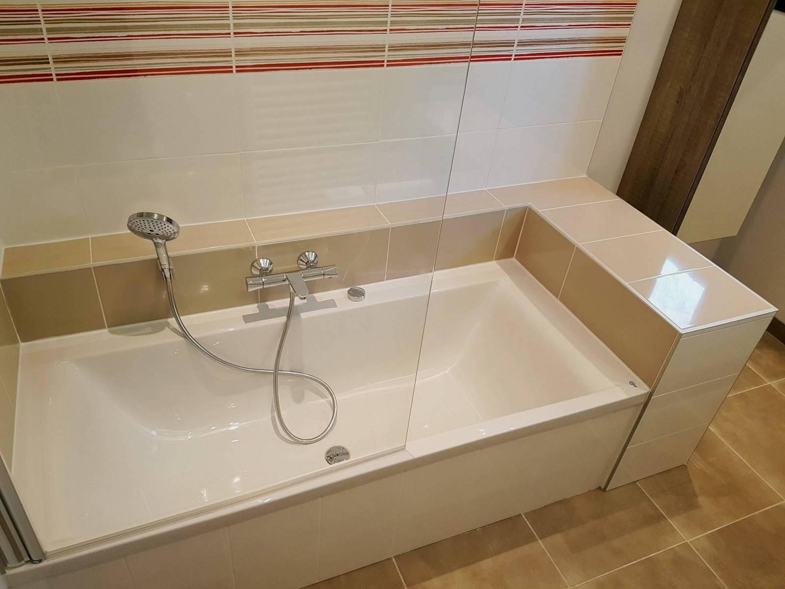 Decoration Tablier De Baignoire moderniser une salle de bain avec une baignoire et meuble